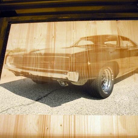 Grawer zdjęcia na drewnie